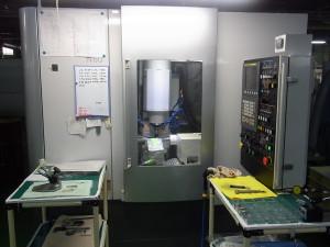 CNC横型ホブ盤導入
